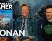 Conan O'Brien speelt God of War